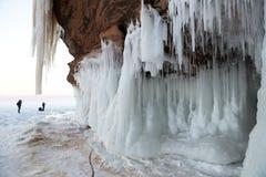 Caverne di ghiaccio delle isole dell'apostolo, paesaggio di inverno Fotografia Stock Libera da Diritti