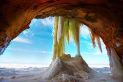Caverne di ghiaccio delle isole dell'apostolo Wisconsin fotografie stock