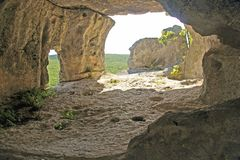 Caverne, lumière, une grotte Images libres de droits