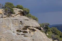Caverne in montagna rocciosa Fotografia Stock Libera da Diritti