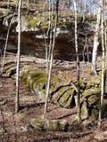 Caverne naturelle dans le côté de montagne du Tennessee image libre de droits