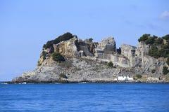 Caverne sur l'île Photographie stock