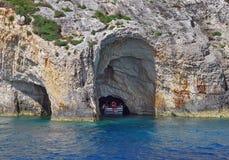 Cavernes bleues dans Zakynthos, Grèce photos libres de droits