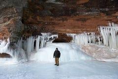 Cavernes de glace d'îles d'apôtre, paysage d'hiver images stock