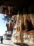 Cavernes de glace sur le lac Supérieur Photographie stock