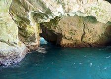 Cavernes de mer de pierre de limette à l'intérieur de hanikra de rosh Images stock
