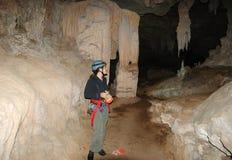 Cavernes les explorant Photo stock