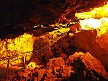 Cavernes préhistoriques de Wildkirchli ou mourir ond Eesidle de Wildkirchlihöhle Höhlebäre oder Hoehlebaere dans la mon photos libres de droits