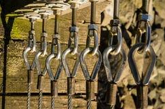 Cavi d'acciaio usati per un recinto Fotografia Stock