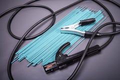 Cavi ed elettrodi ad alta tensione per saldare Fotografie Stock Libere da Diritti