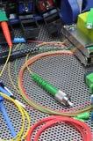 Cavi ottici della fibra, pulizia e corredo di prova immagine stock