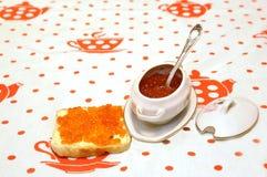 Caviale granulare rosso Fotografia Stock