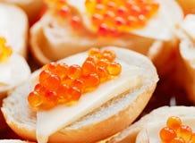 Caviar de la trucha de color salmón Imagen de archivo libre de regalías