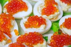 Caviar de los salmones rojos imagenes de archivo