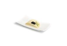 Caviar preto com a microplaqueta do aneto e de batata fotos de stock royalty free