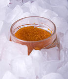 Caviar rojo en el hielo Foto de archivo