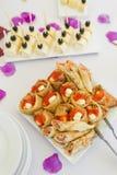 Caviar rouge avec des crêpes Images libres de droits