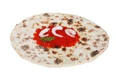 Caviar rouge avec la crevette sur le flatbread Photos stock
