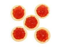 Caviar rouge délicieux et frais dans les tartlets Photographie stock libre de droits