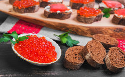 Caviar rouge saumoné Images stock