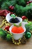 Caviar vermelho e preto da guloseima festiva do aperitivo Imagens de Stock