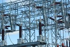 """cavo ad alta tensione di distribuzione di elettricità della centrale elettrica del ¿ del ï"""" Immagine Stock Libera da Diritti"""
