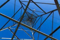 Cavo e pilone di elettricità Immagine Stock Libera da Diritti