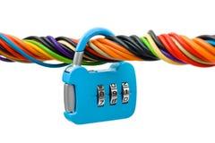 Cavo e serratura del calcolatore fotografia stock