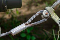 Cavo metallico usato per rimorchiare i veicoli carghi Immagini Stock