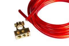Cavo rosso di energia elettrica e batte positivo dell'AUTOMOBILE del terminale di contatto Fotografie Stock