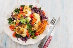 Cavolfiore fritto e verdure miste Fotografia Stock Libera da Diritti