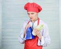 Cavolo cinese cuoco in ristorante, uniforme Essere a dieta e vitamina cucina culinaria Organico e vegetariano fotografia stock