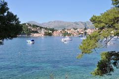 Cavtat hamn Dalmatia, Kroatien arkivfoton