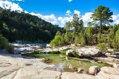 Cavu naturalny basen blisko Tagliu Rossu i Sainte Lucie w Corsica Zdjęcie Stock