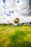 CAYAMBE EKWADOR, WRZESIEŃ, - 05, 2017: Piękna kolorowa kruszcowa struktura przedstawicielstwo diablada festiwal Fotografia Royalty Free