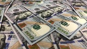 Cayendo 100 billetes de banco del dólar almacen de video