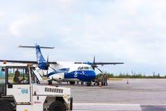 CAYO LARGO, CUBA - 10 MAI 2017 : Avion à l'aéroport Copiez l'espace pour le texte Photo stock