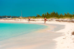 CAYO LARGO, CUBA - 8 MAI 2017 : Paradis de Playa de plage sablonneuse Copiez l'espace pour le texte Photo stock