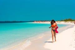 CAYO LARGO, CUBA - 8 MAI 2017 : Paradis de Playa de plage sablonneuse Copiez l'espace pour le texte Images libres de droits