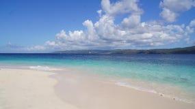 Cayo Levantado strand. Samana som är karibisk. Dominikan Arkivfoto