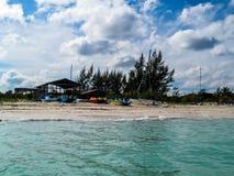 Cayo Levisa热带海滩 免版税库存照片