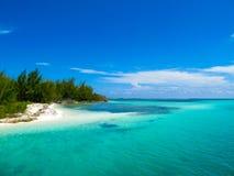 加勒比缓慢地cayo古巴paraiso playa海运 免版税库存照片
