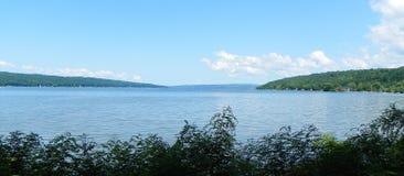 Cayuga湖典型的横幅视图从斯图尔特公园的 图库摄影