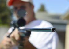 Caza de la escopeta del arma Foto de archivo libre de regalías