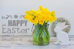 Caza de los huevos de Pascua foto de archivo libre de regalías