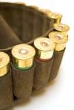Cazador de la pistolera con los cartuchos de la escopeta Imagenes de archivo