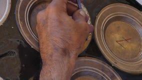 Cazador del cobre en el trabajo almacen de metraje de vídeo