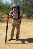Cazador mayor en desierto Fotos de archivo