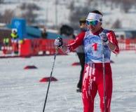 CAZAQUISTÃO, ALMATY - 25 DE FEVEREIRO DE 2018: Competições amadoras do esqui corta-mato do fest 2018 do esqui de ARBA participant Imagem de Stock Royalty Free
