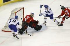 Cazaquistão contra o fósforo do hóquei em gelo do campeonato mundial de Hungria IIHF imagem de stock